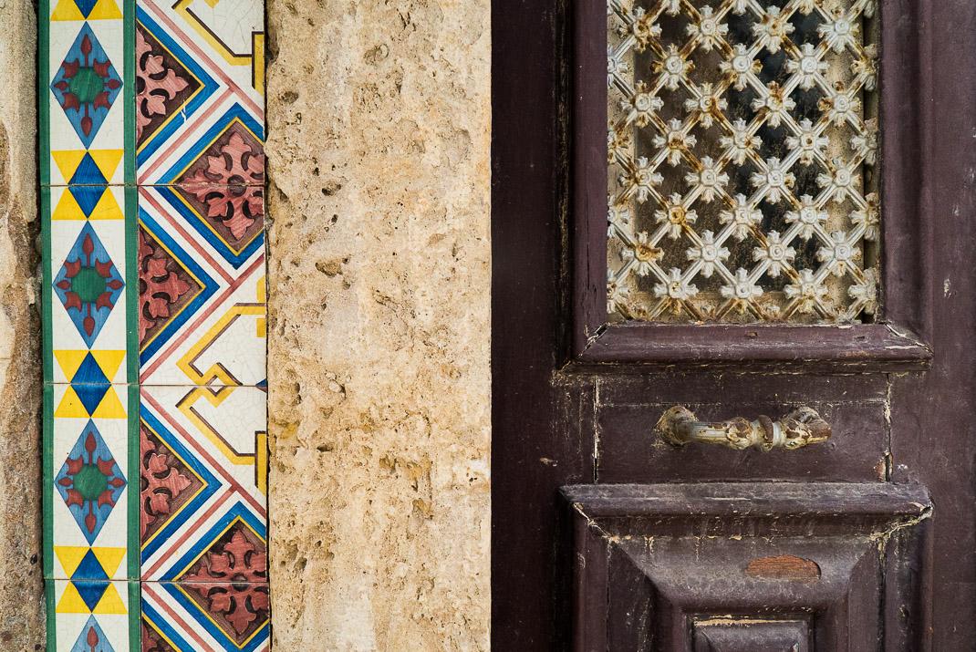 Lagos Tiles Door Texture