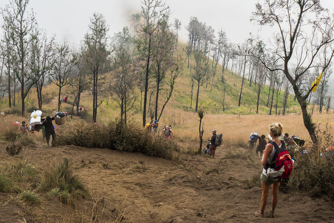 People climbing Mount Rinjani