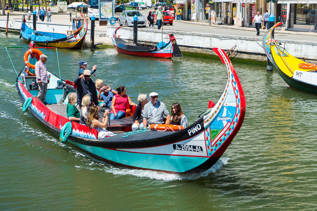 Aveiro Full Boat Leaving