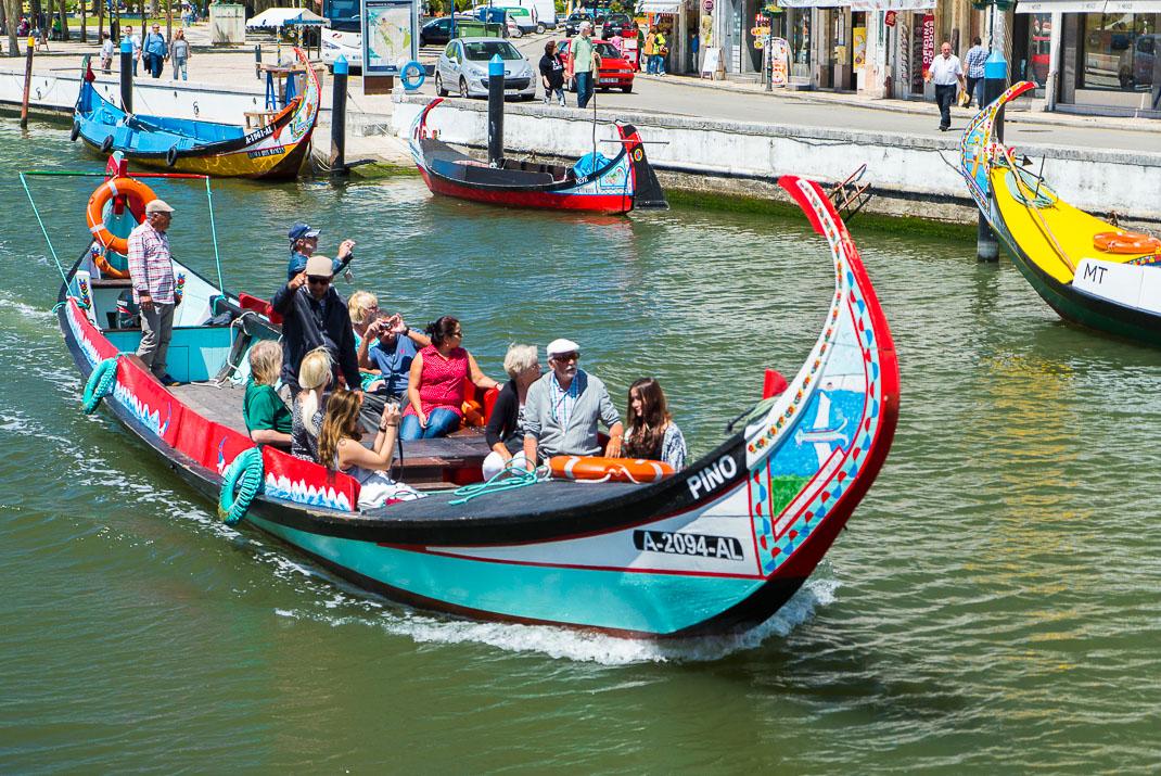 Aveiro Full Boat Leaving