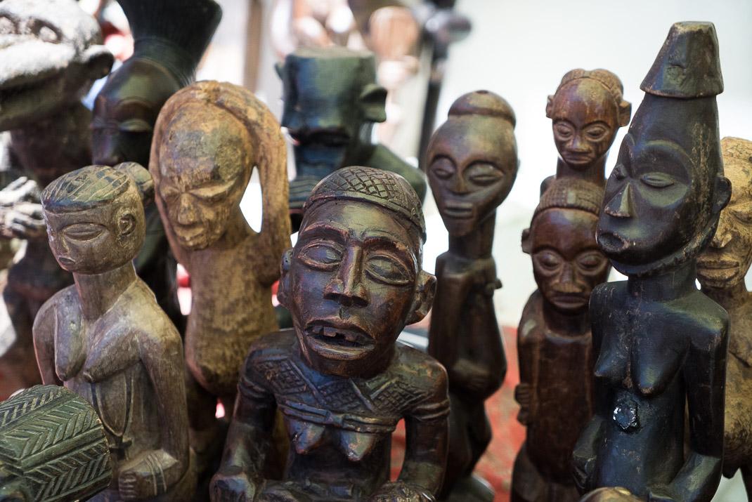 Feira da Ladra Market Statues