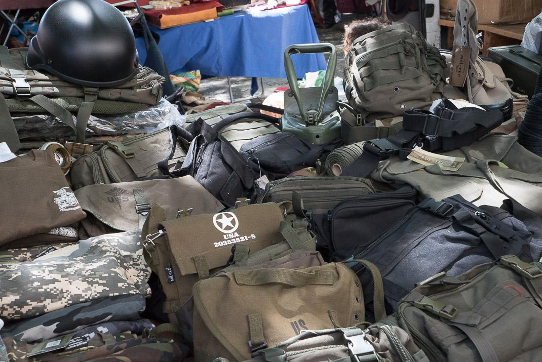 Feira da Ladra Army Supplies