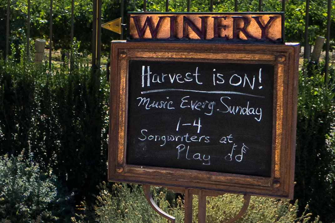Paso Robles Harvest Sign