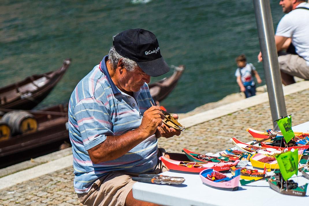 Porto Handheld Boat Carving