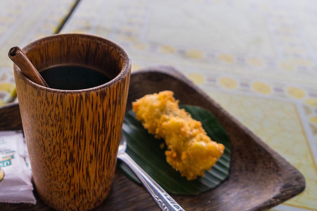 kopi luwak serving platter