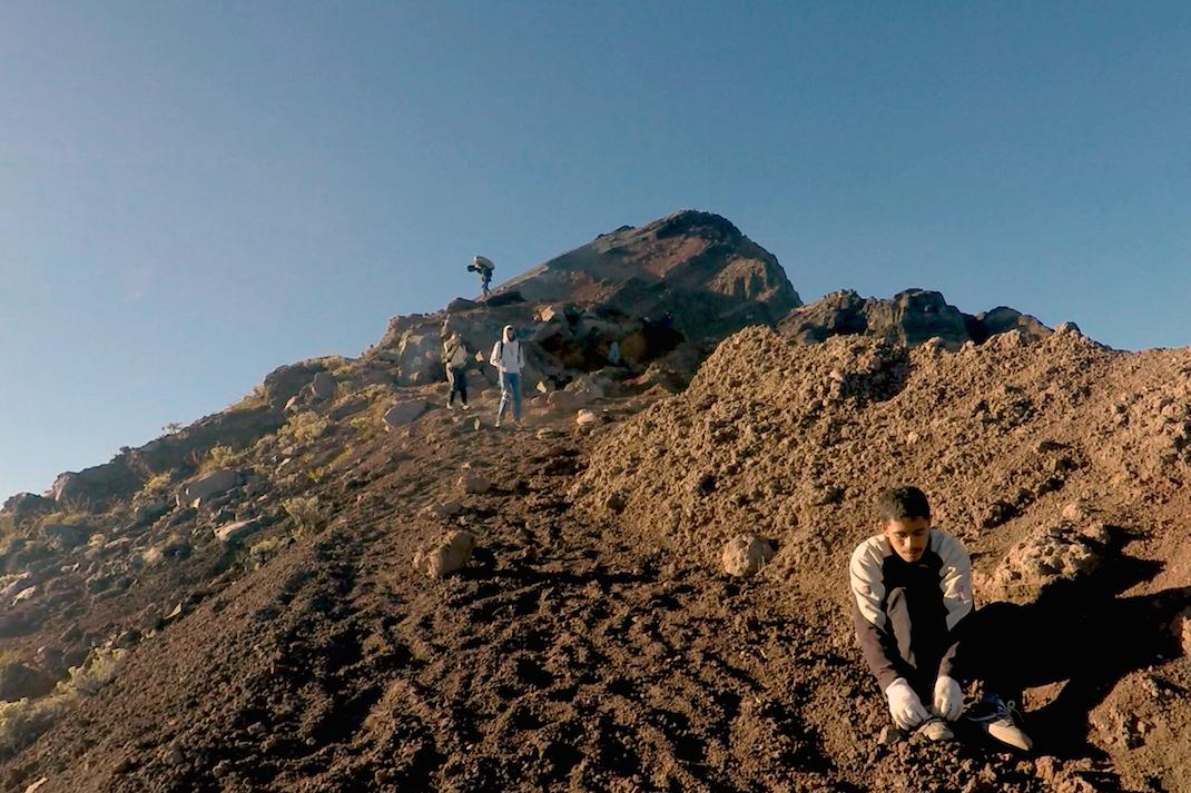 Summiting Rinjani People Path