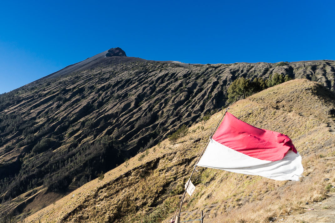 Summiting Rinjani Trail Flag