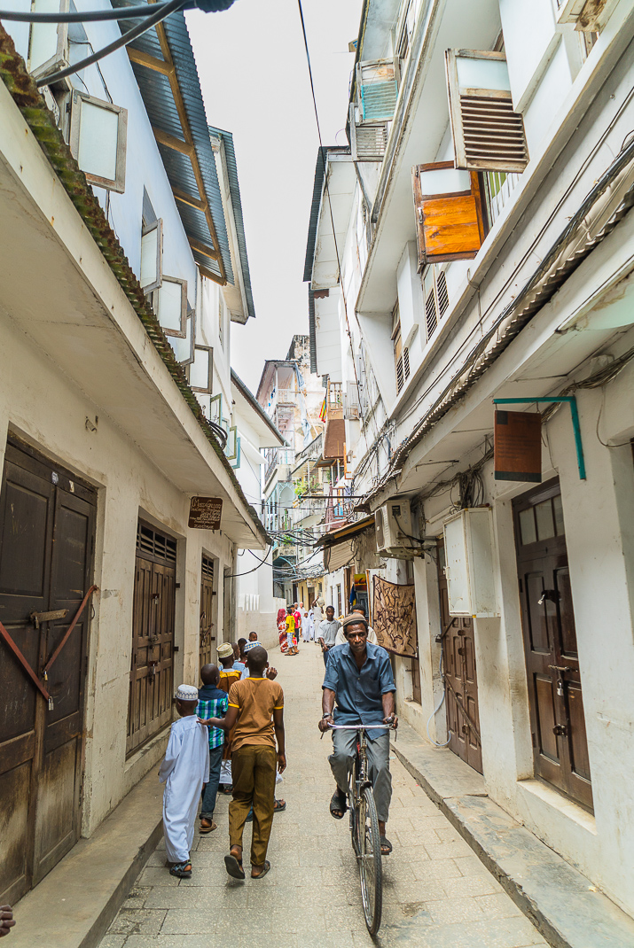 Stone Town crowded vertical street