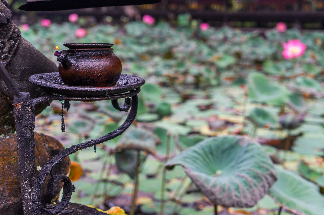 Ubud Temple Lit Lamp