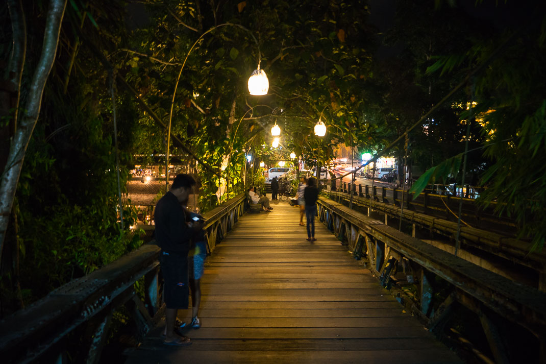 Ubud Bridge Lamp Light