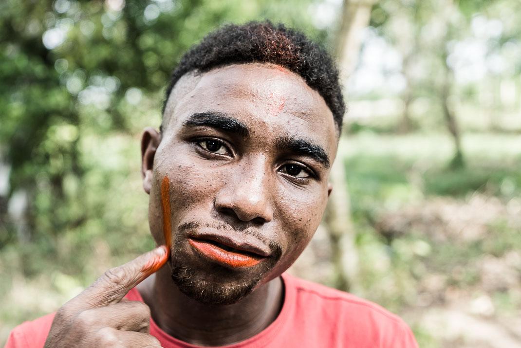 Zanzibar lipstick pod application