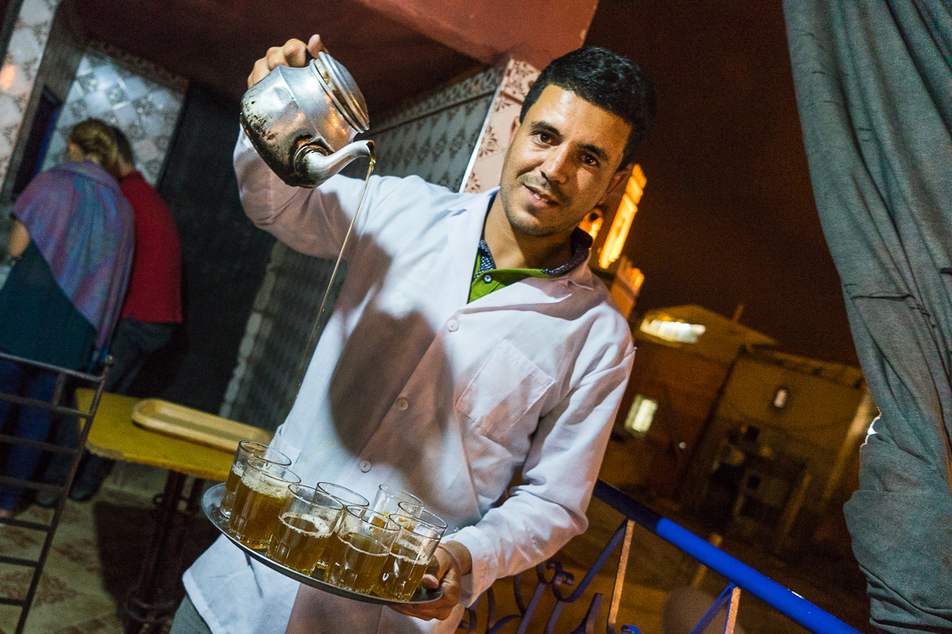 Marrakech Food Tea Pour