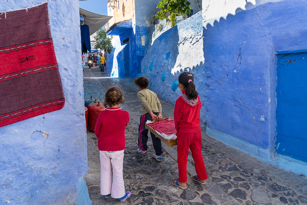 Chefchaouen Red Kids Carrying