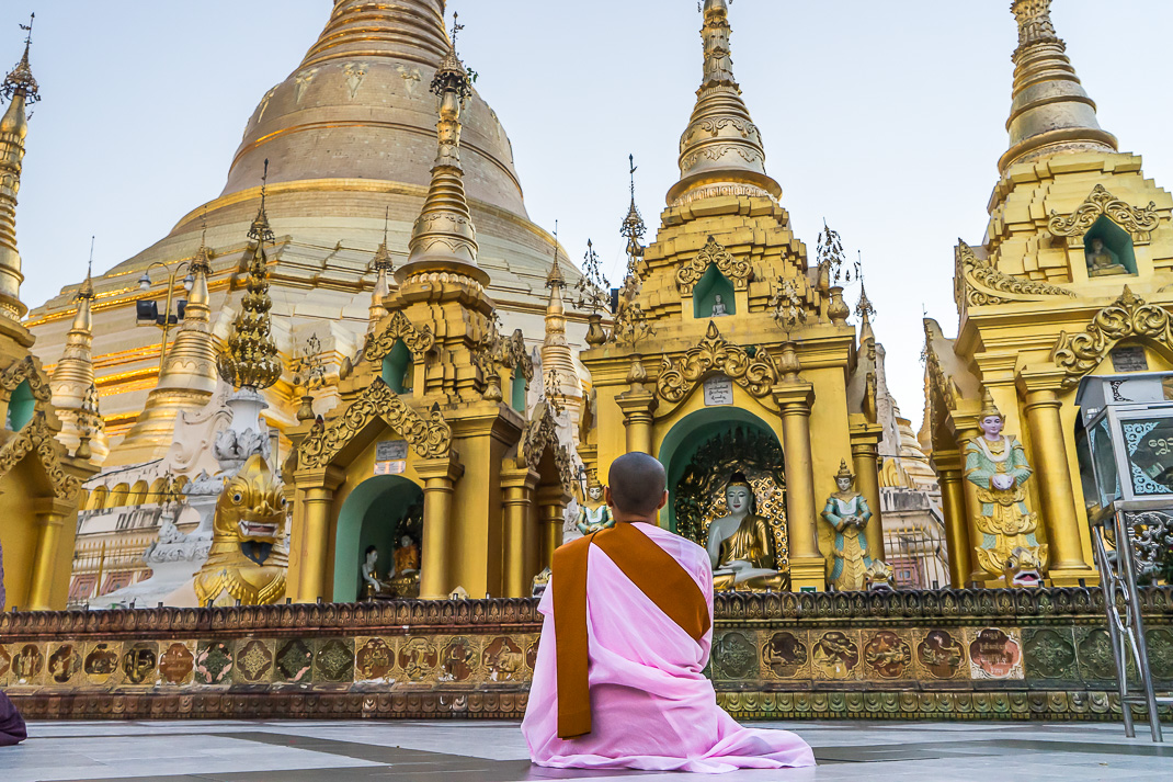 Yangon Temples Shwedagon Thilashin Praying